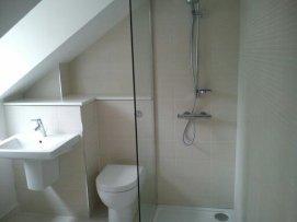 Upstairs En Suite Tilng