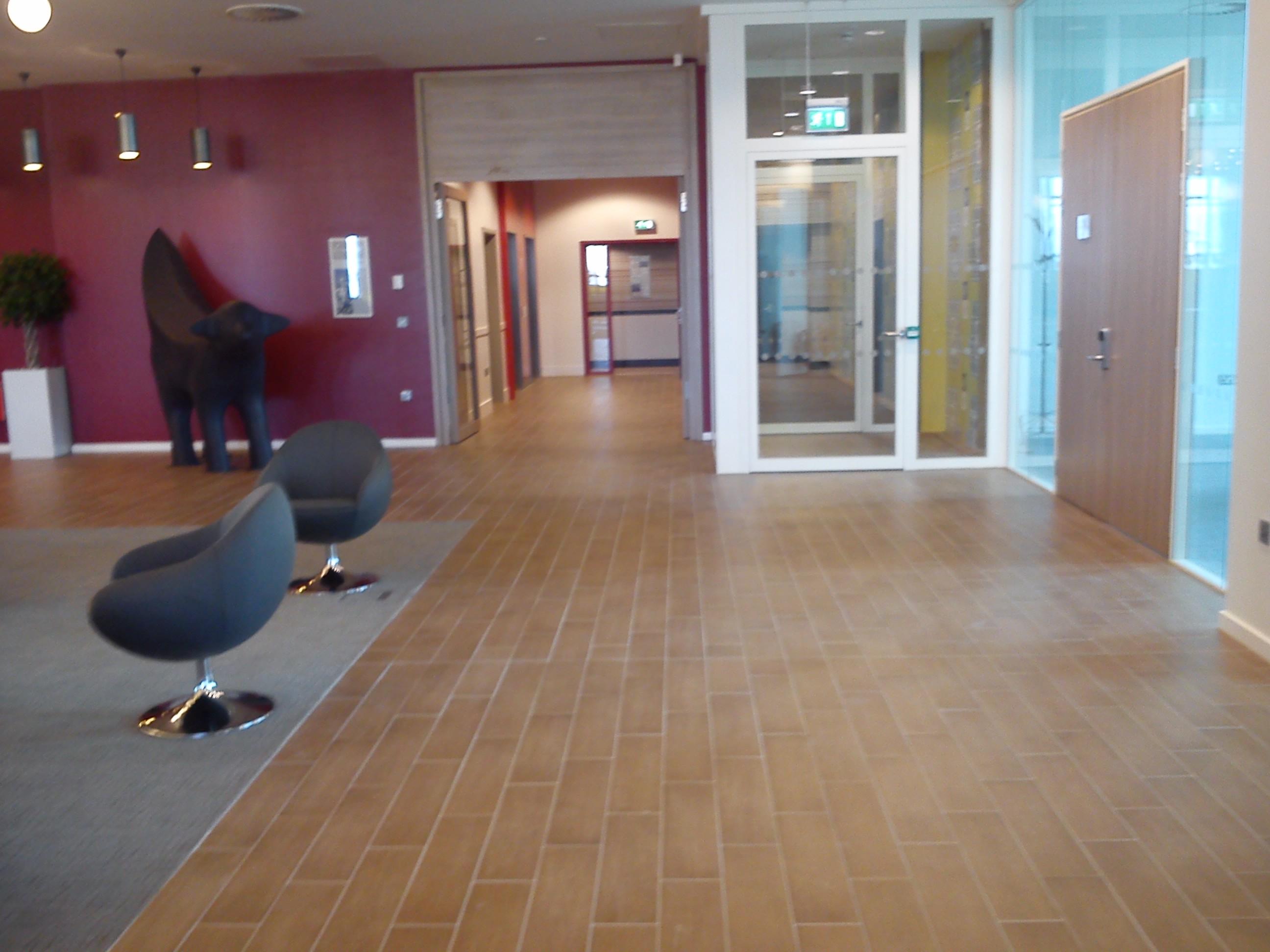 Hotel Entrance Foyer : Abd ceramics limited entrance tiling foyer plank tiles laminate